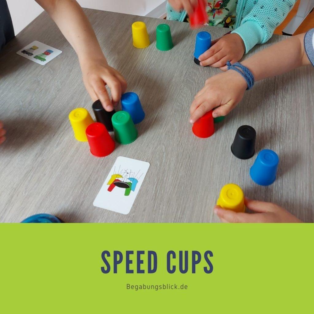 Spieltipp für Hochbegabte Speed Cups. Hochbegabte Kinder trainieren nebenbei Aufmerksamkeit und Konzentration.